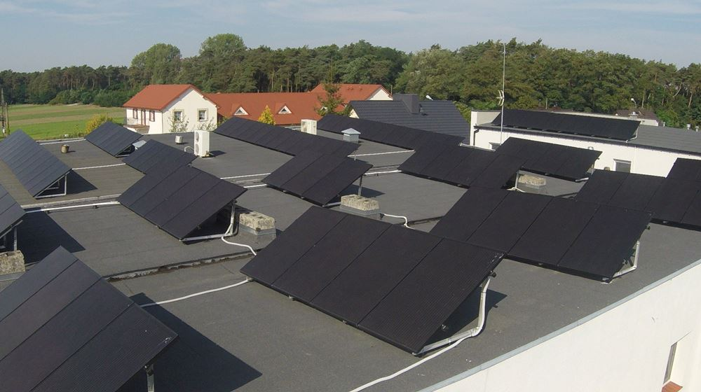 panele fotowoltaiczne na dachu -realizacja